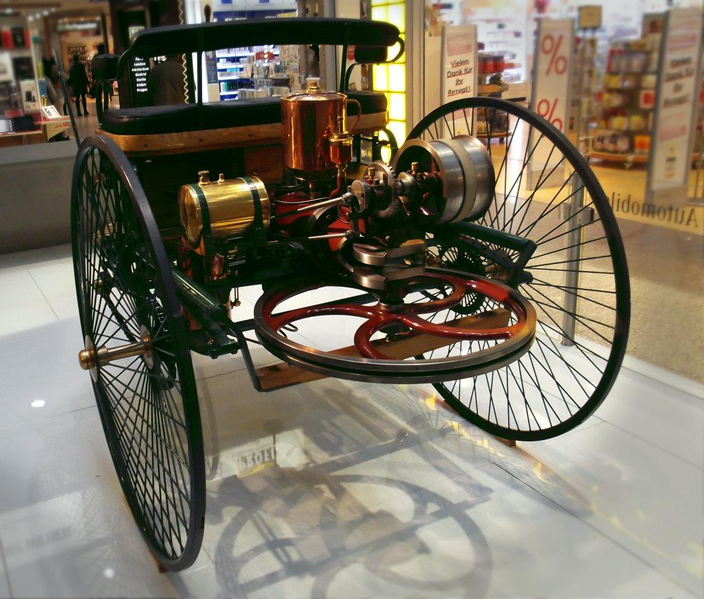 Benz_Patent-Motorwagen_No_1_von_1886